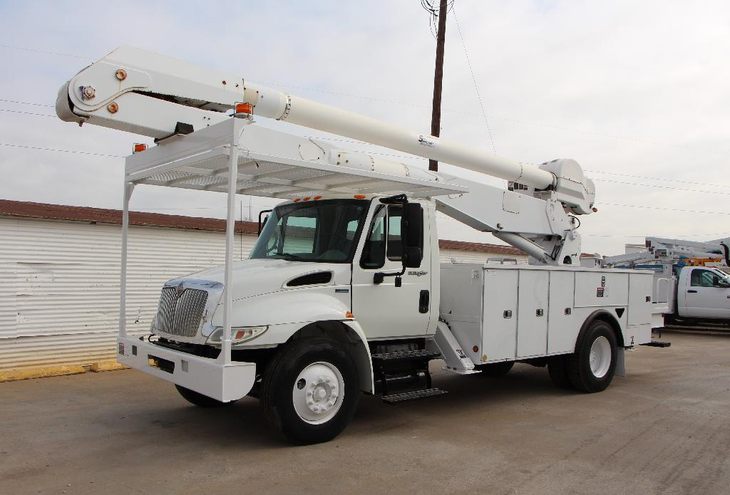 Used Bucket Trucks For Or With A Material Handler
