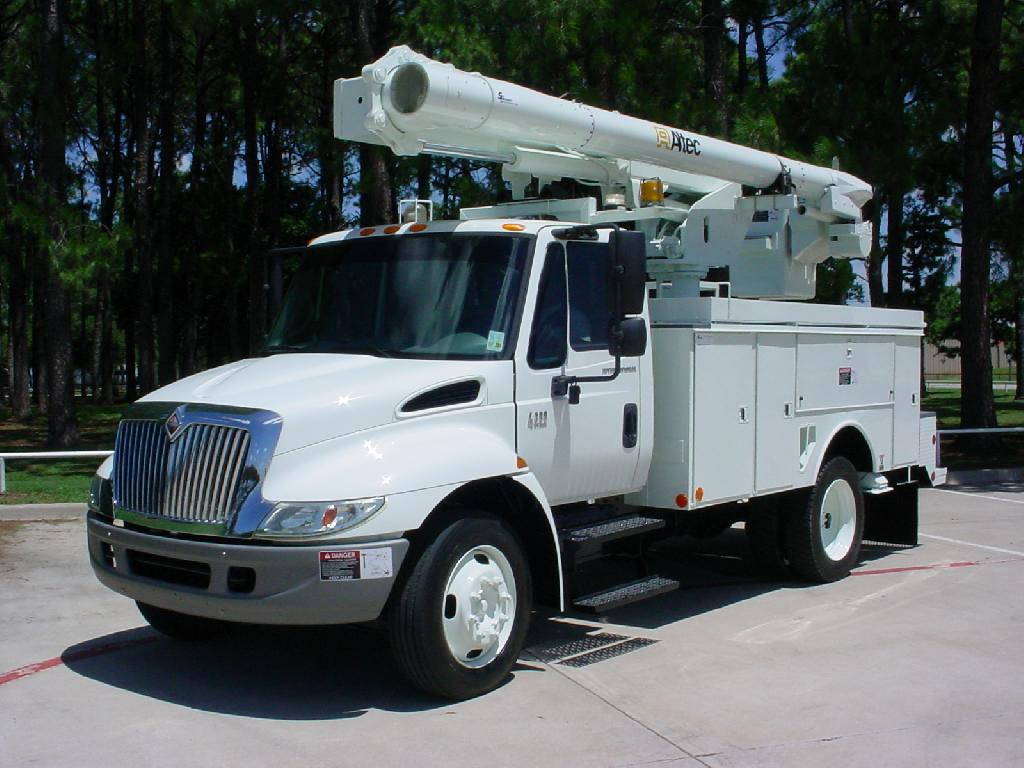 Bucket Truck Stock No. 09035